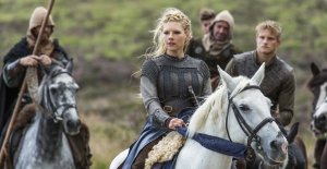 vikings_episode4_Lagertha cavalry