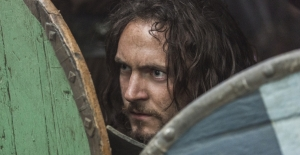 vikings_season2_Athelstan shield