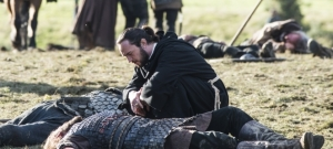vikings_episode9_Athelstan Rollo battlefield