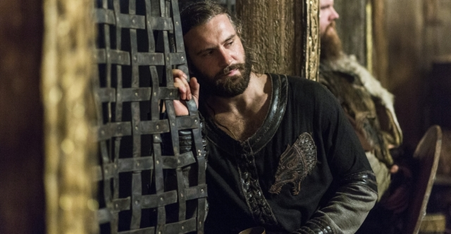 vikings_gallery_episode7 rollo cagefighting