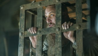 historys-vikings-season-4-part-2-episode-14-ragnar-lothbrok-in-a-cage
